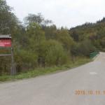 Skrzyżowanie dróg lesnych w rezerwacie